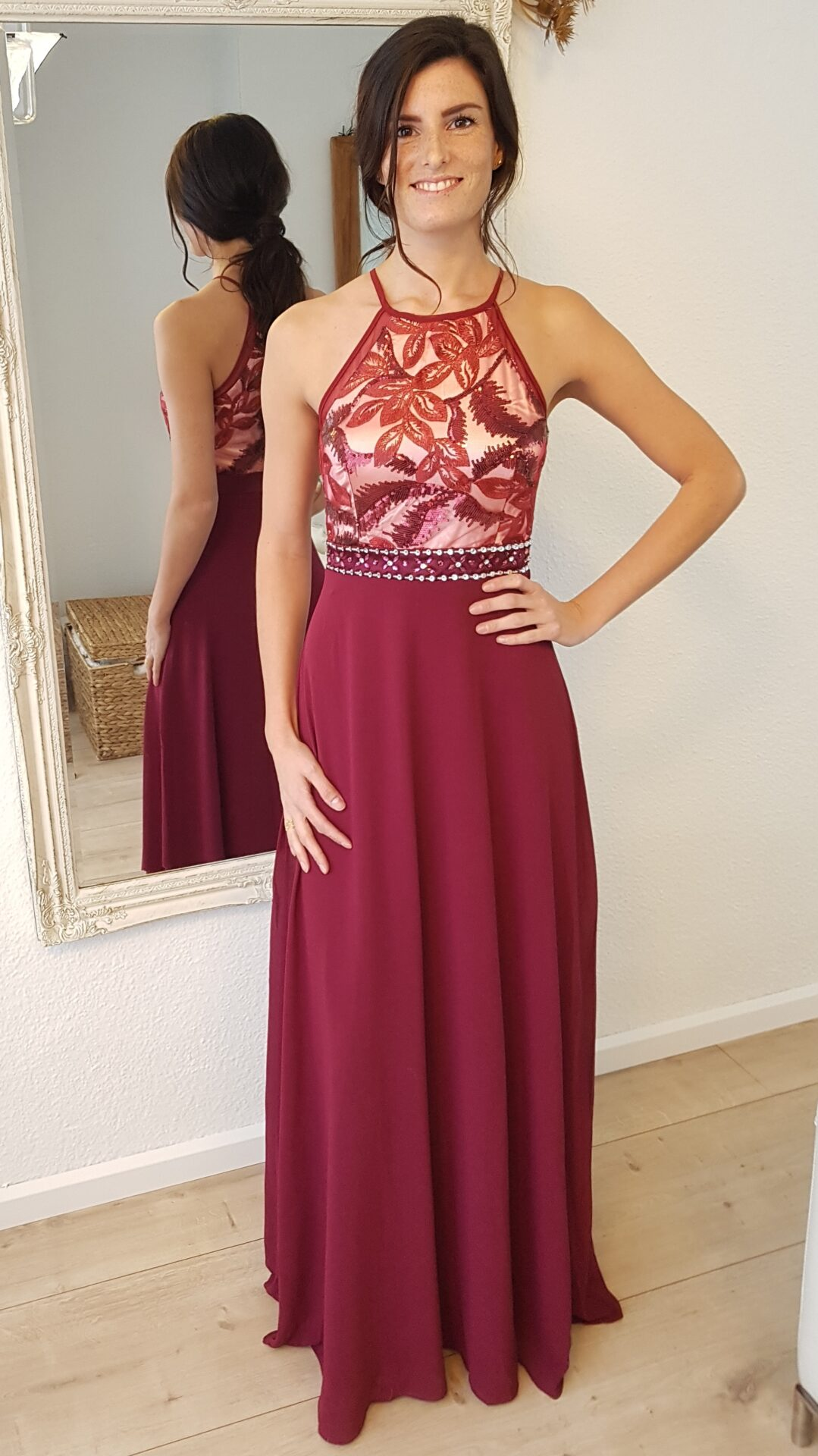 Rode jurk huidskleur